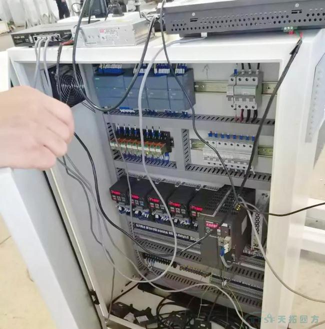 SINAMICS V90 在层压机中的应用
