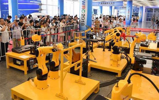 怎么看待工业机器人造就的自动化转型